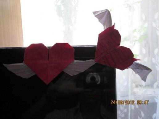 Крылатое сердце из бумаги