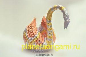 Модульный оригами лебедь из треугольников