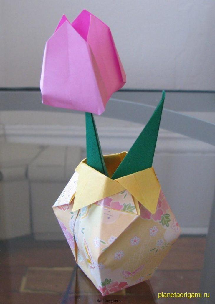 Оригами ваза.  Загружено 1 год и 2 месяца назад с компьютера в коллекцию.