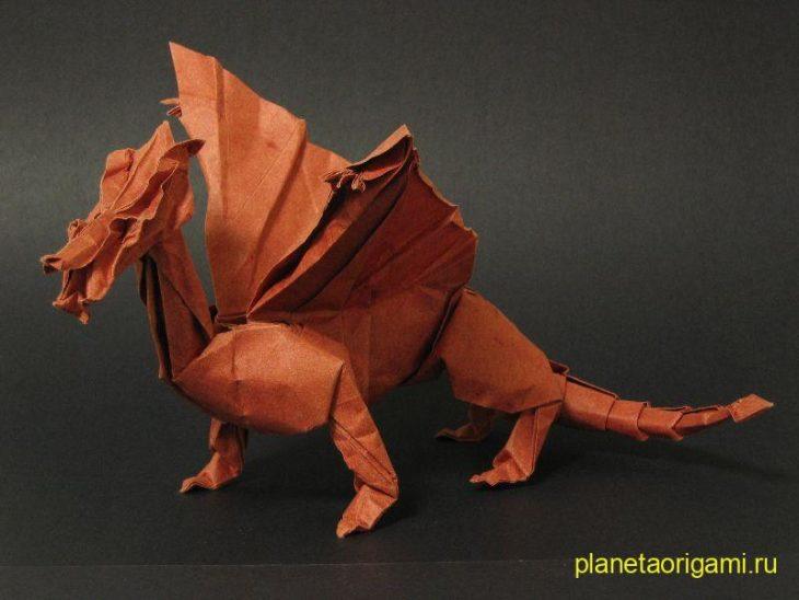 Оригами дракон из бумаги
