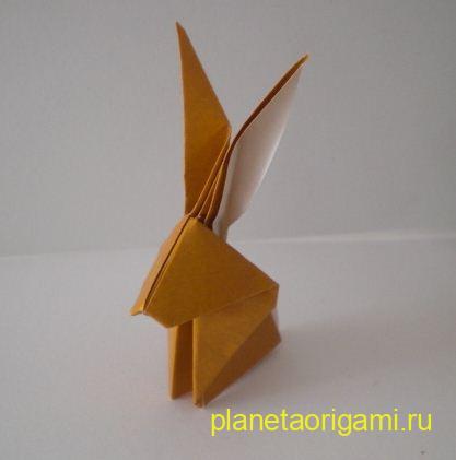 Заяц из бумаги по традиционной