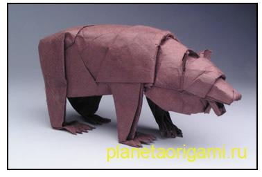 Оригами медведь из бумаги коричнево-бурого цвета