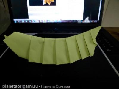 червяк из бумаги