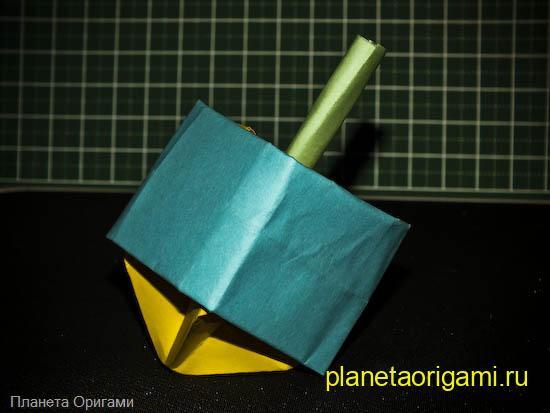 Объемный бумажный волчок Ями