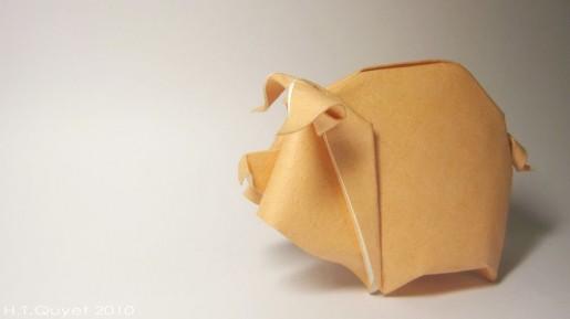 Представляем ещё одну схему от вьетнамского бумажного мастера, которая называется довольно просто - оригами свинья.