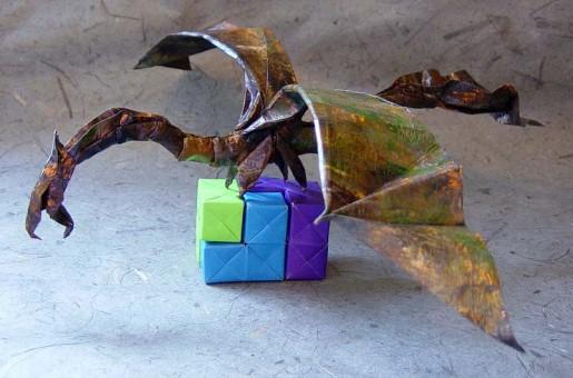 бумажный летающий дракон