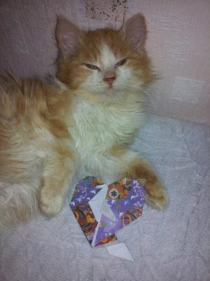 сердечко с подставкой оригами