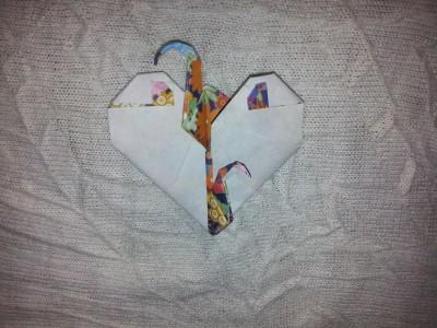 нежное сердечко из бумаги