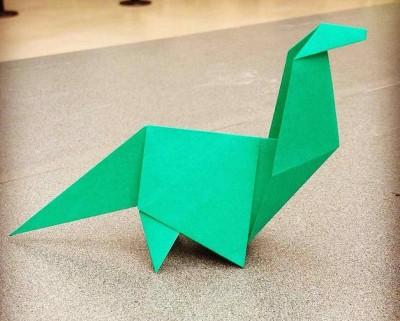 Апатозавр из бумаги