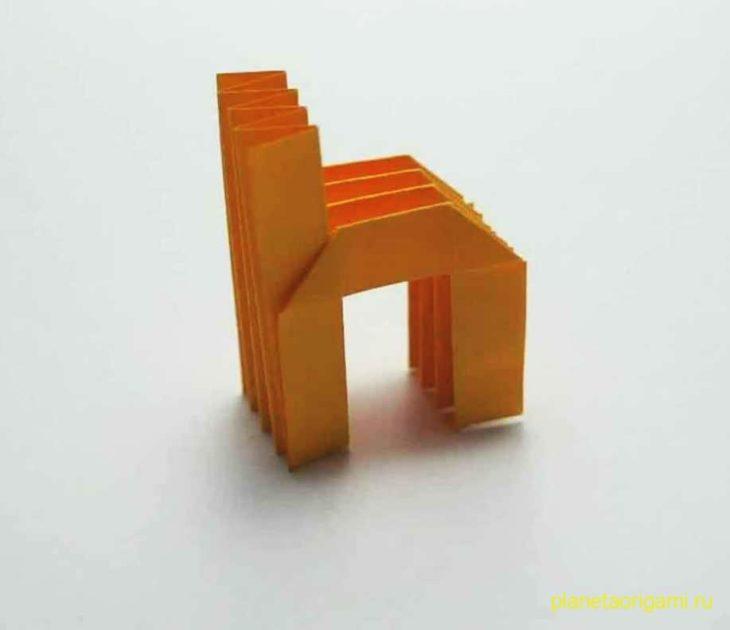 Строчная буква «h» из бумаги