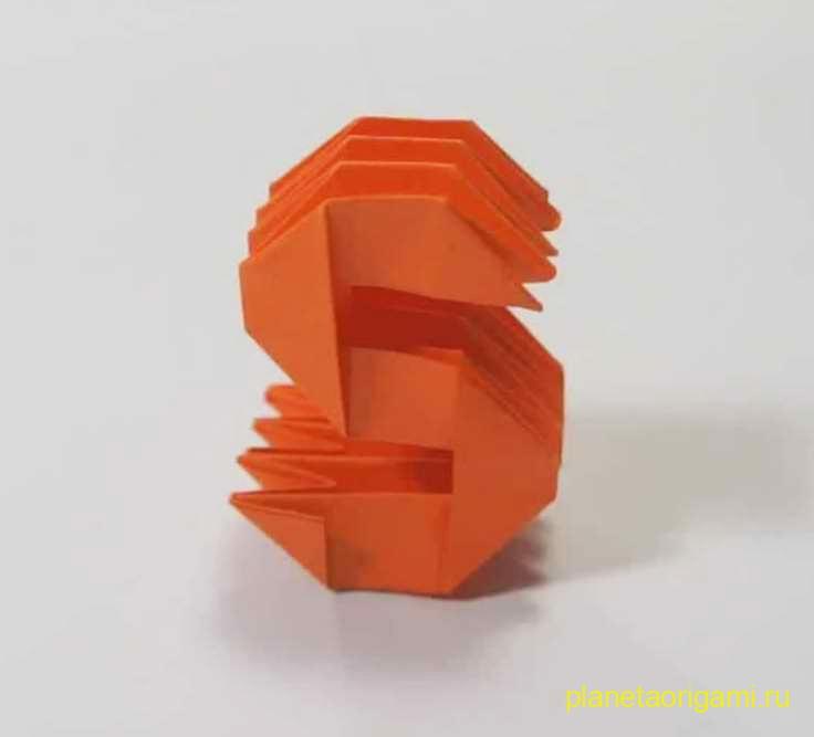Буква «s» из бумаги