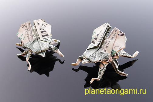 dollar_bill_flys