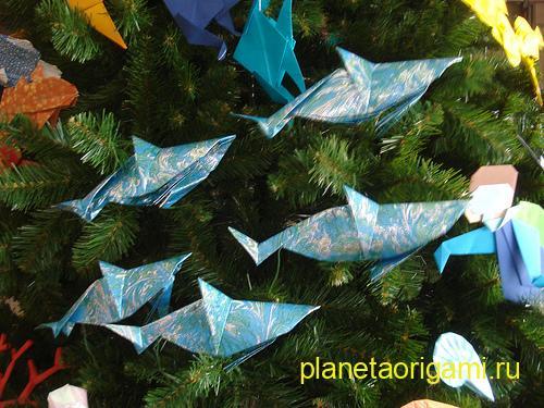 Оригами дельфины на новогодней елке