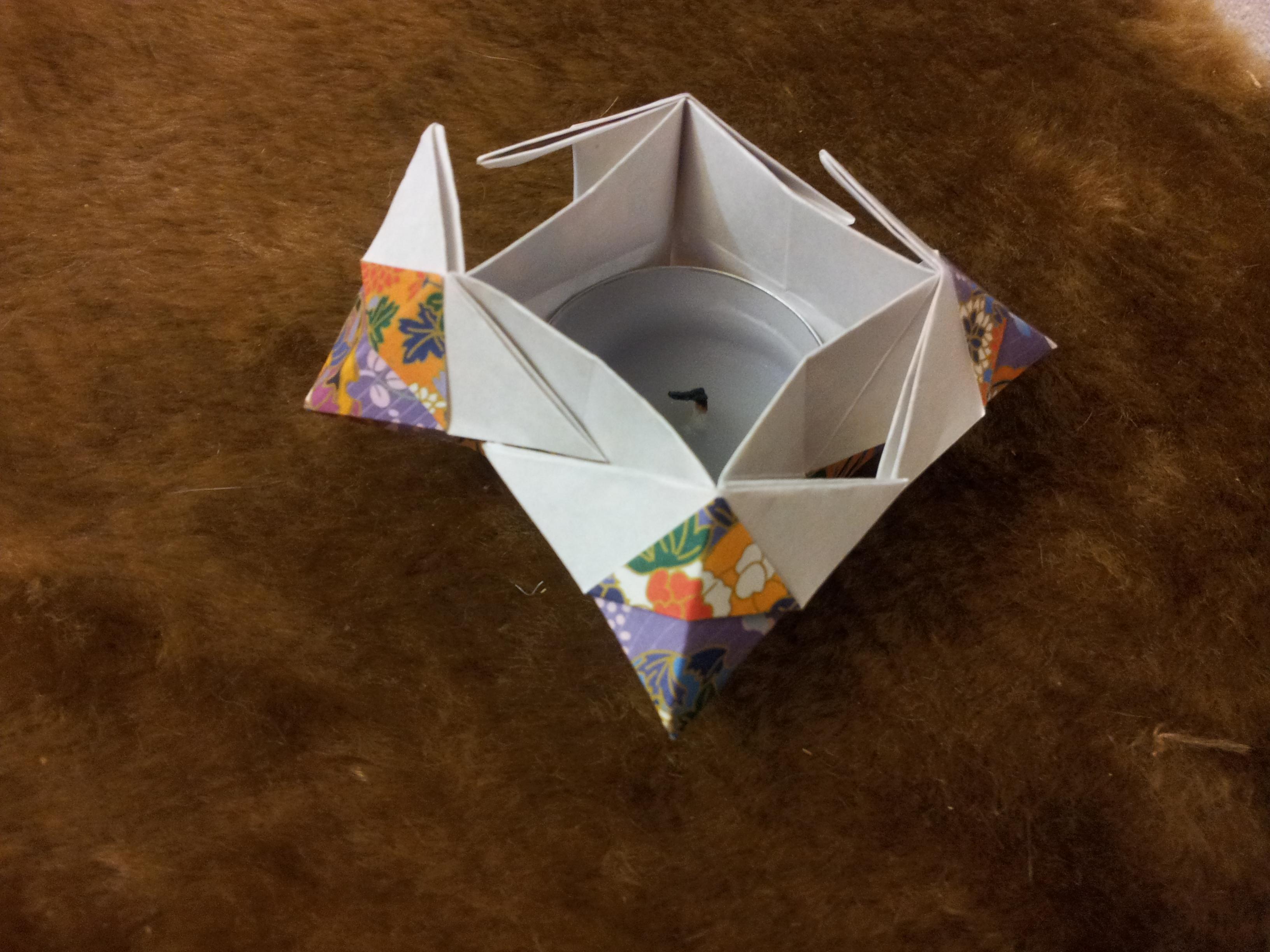 Оригинальная квадратная коробочка оригами
