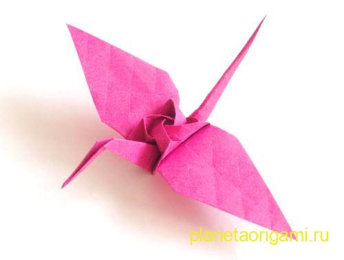 бумажный журавль с розой