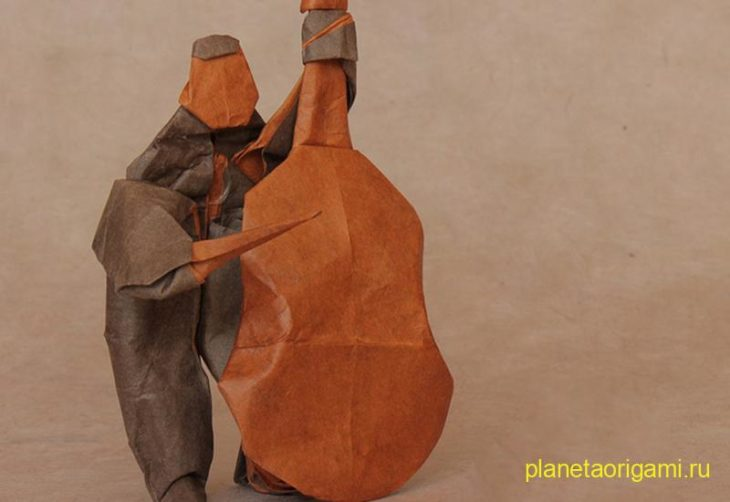Оригами басист по схеме Gareth Louis