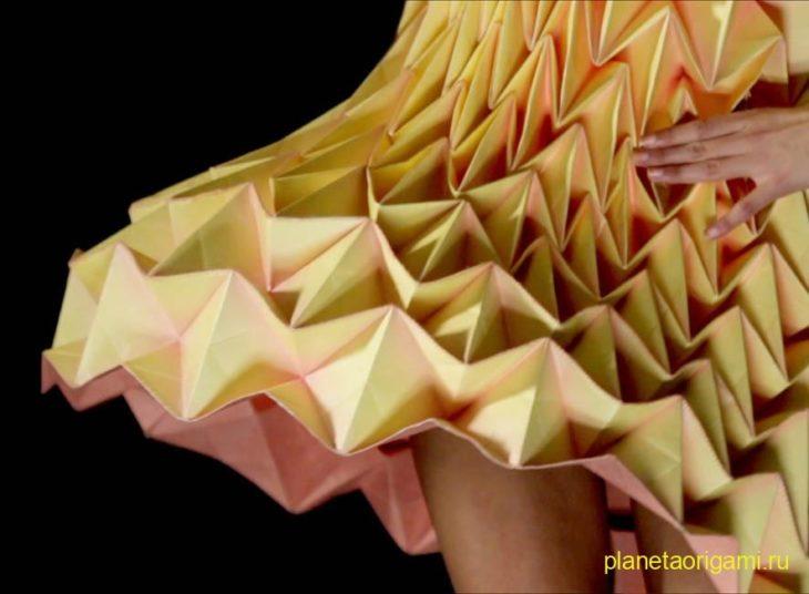 Платье в стиле оригами от Жюль Вайбель