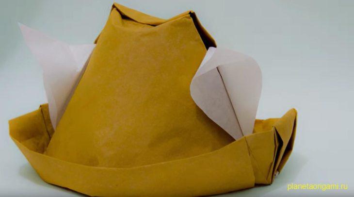Шляпа с ушами по схеме Gerardo Gacharná