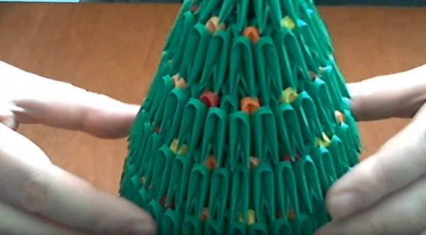 Новогодняя ёлка из треугольных