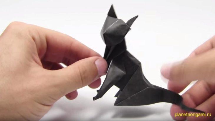 Оригами кошка по схеме J. Anibal Voyer