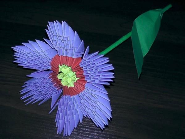 Объемный модульный цветок