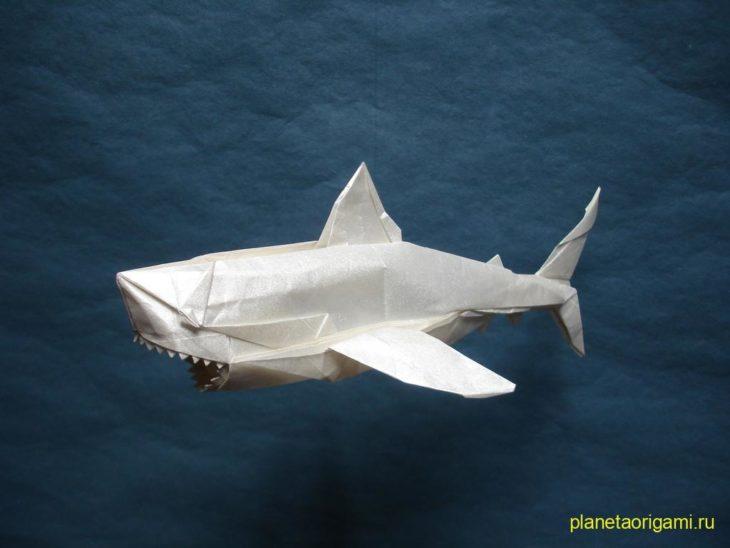 белая акула оригами