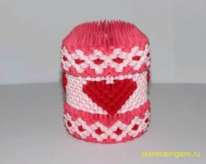 Кружка с сердечком из треугольных модулей