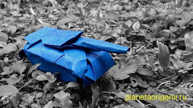Оригами танк по схеме Ivan Danny
