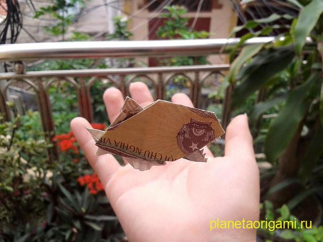 Оригами пиранья по схеме Данг Вьет Тана (Dang Viet Tan) из купюры