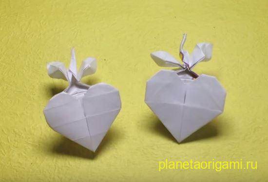 Оригами деревце из сердечка по схеме Дао Ань Туана (Dao Anh Tuan) из белой бумаги