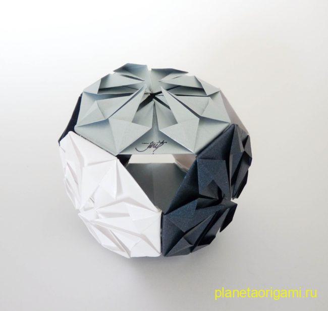 Кусудама Бриллиант по схеме Макото Ямагучи (Makoto Yamaguchi) из бумаги серебристого цвета