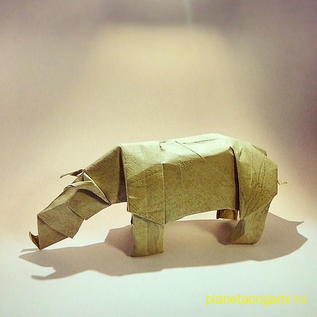 Оригами носорог по схеме Лионеля Альбертино (Lionel Albertino)
