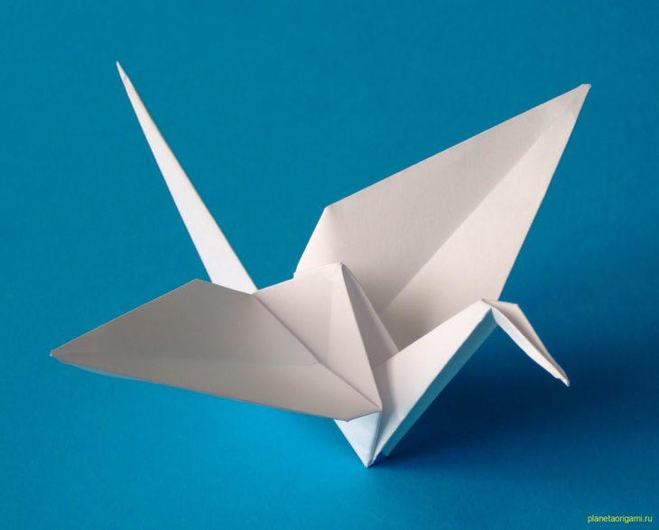 Бумажный журавлик по схеме Roman Diaz