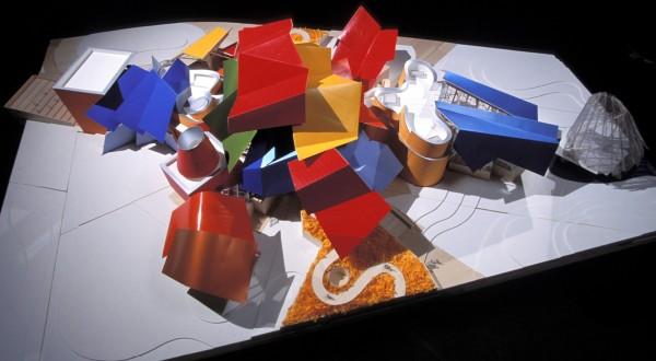 Музей Biomuseo в стиле оригами