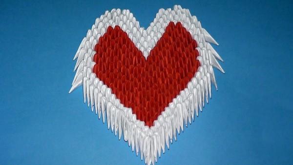 Сердце из треугольных модулей
