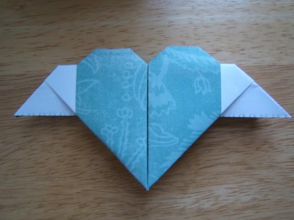 Сердце с крыльями от Lazy Paper