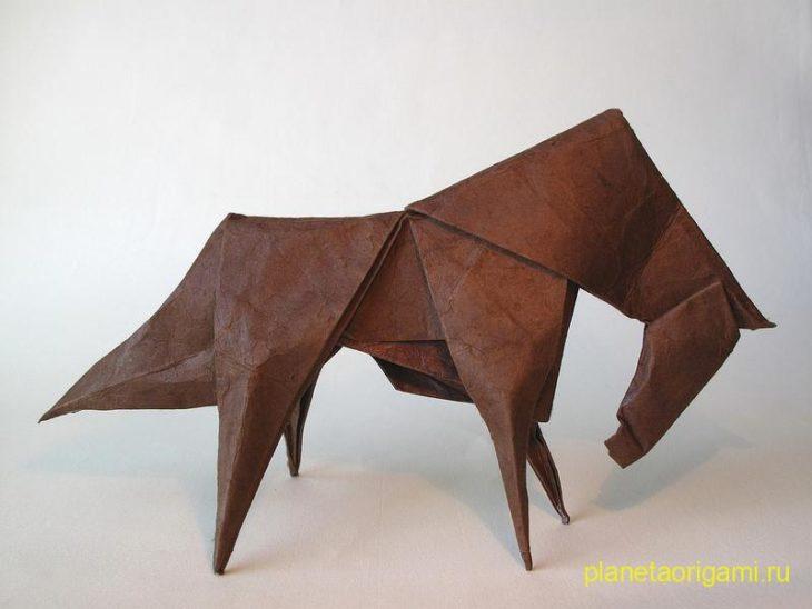Две оригами-лошади на Новый год