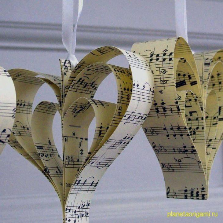 Романтичное сердце с цветами