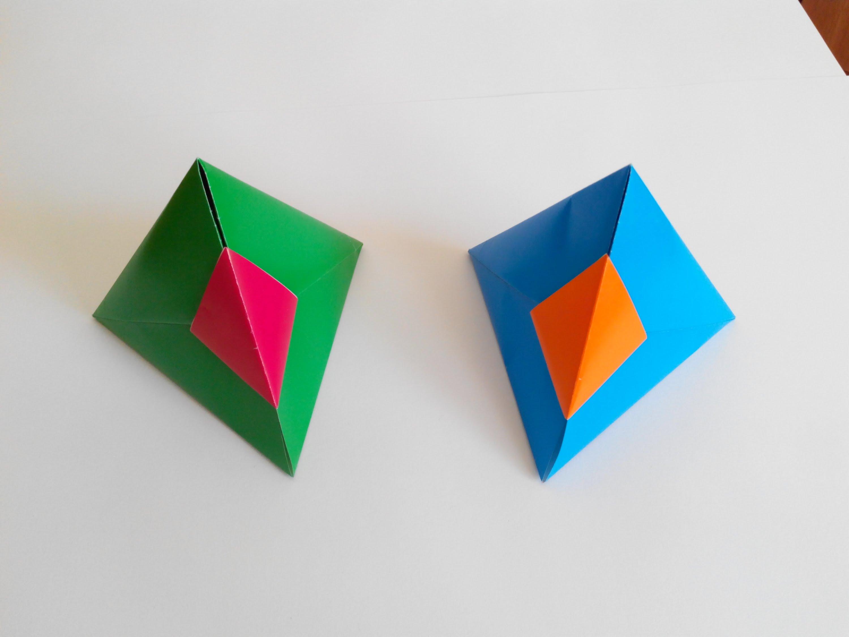 Красивая треугольная коробочка