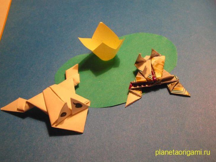 Прыгающая лягушка из бумаги.