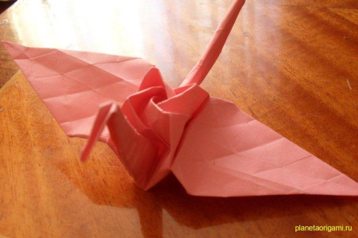 Журавлик с розой по схеме Kamiya Satoshi
