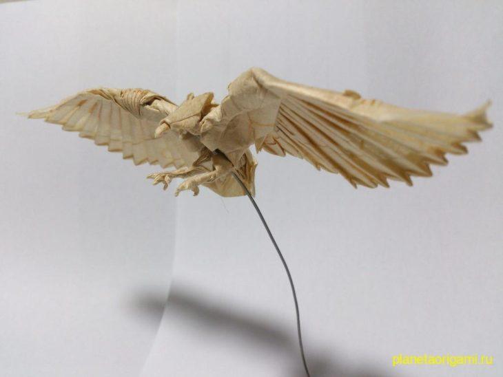 Великолепный орел оригами по схеме Nguyen Hung Cuong