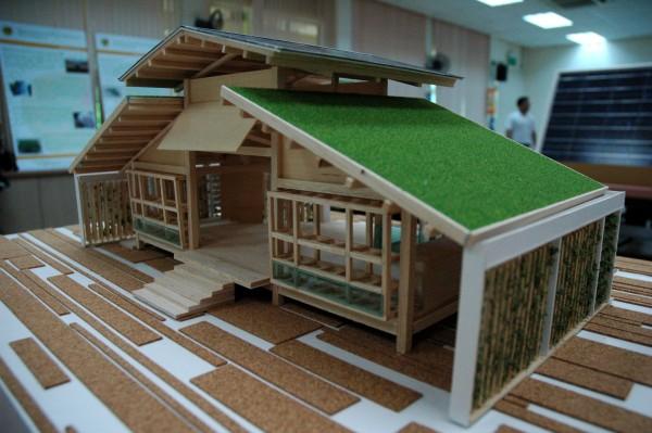 Простые оригами-дома из бамбука