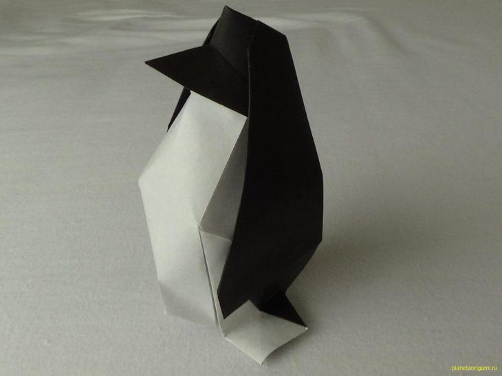 Оригами пингвин из модулей по схеме Campean Petru Razvan