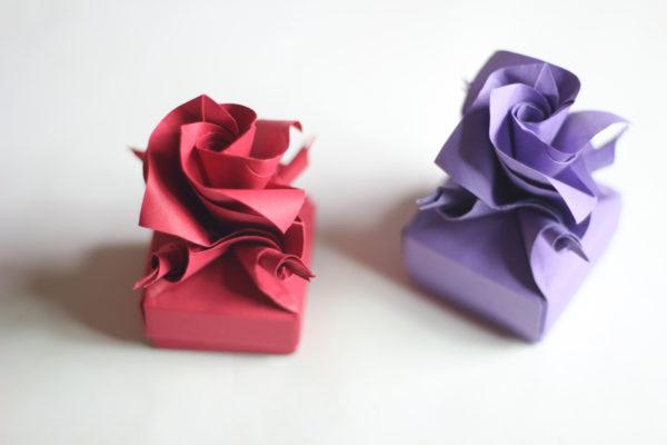 Восьмиконечная коробочка с крышкой в форме розы