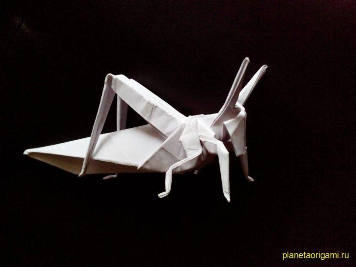 Комарик из бумаги