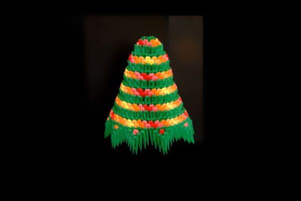 Оригами новогодняя ёлка из треугольных модулей