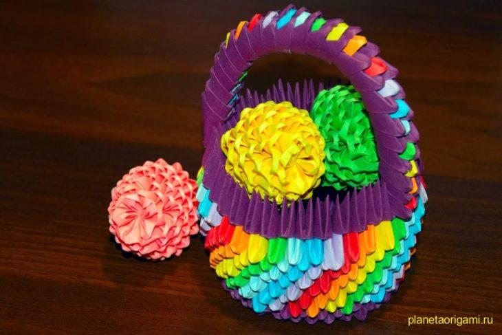Оригами яйцо из модулей