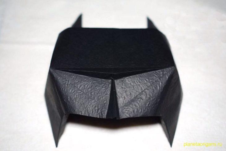 Оригами маска Бэтмена по схеме Генри Фама (Henry Pham)