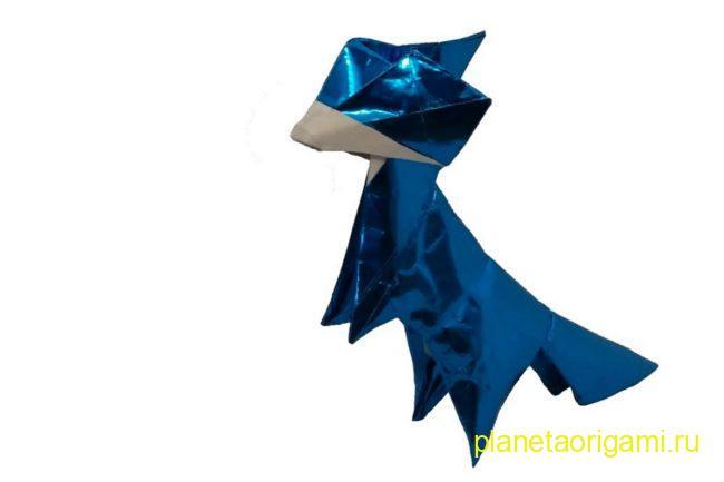 Оригами лиса по схеме Тошиказу Кавасаки (Toshikazu Kawasaki) из бумаги синего цвета